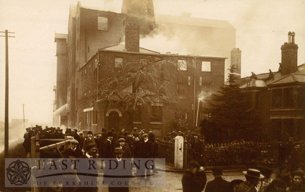 Crathorne's Mill fire, Beverley, 12th January, 1907