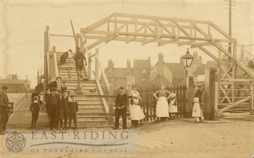 Building of footbridge over railway, Chantry Lane – Friars Lane, Beverley 1911