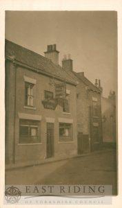 Walkergate, Malt Shovel Inn, near Dyer Lane, Beverley 1900s