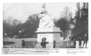 Pearson Park, statue of Queen Victoria, Hull 1900