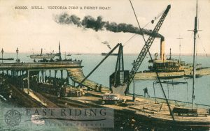 Victoria Pier, with ferry steamer, Hull 1910