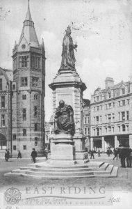 Victoria Statue, Victoria Square, Hull c.1900s